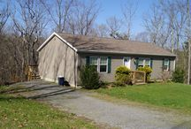 200 Colonial Dr / 200 Colonial Drive, Berkeley Springs, WV 25411 is for sale at $177,500. 3 beds 2 baths 1490 sqft. See http://www.berkeleywvhomesearch.com/listing/mlsid/161/propertyid/MO8616504/for more information. #berkeleysprings #westvirginia #homesforsale #realestate