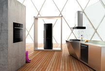 Czarne AGD / Najnowszym trendem jest czarne AGD, zobacz najlepsze urządzenia do Twojej kuchni i łazienki!