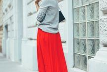 Red is the new Black. / An einer Farbe kommen wir in diesem Jahr einfach nicht vorbei - ROT. Egal ob knallig, gedeckt, als Accessoires oder im All-over-Look. Rot geht eigentlich immer.