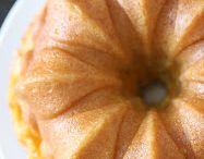 Peach bunnet cake