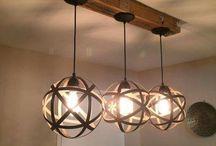 lámpara con madera en techo