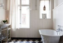 Best Bathroom Accessories / These are some of our favourite bathroom accessories and designs.