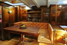 YACHT LIVING AREAS