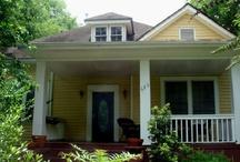 exterior house paints / by Sonia Jimenez