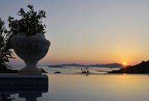 Villa Iokrilia #Paros #Greece #Island / Basée sur l'architecture traditionnelle des Cyclades, cette maison blanche lavée a été soigneusement conçue et construite par ses propriétaires, bâtie sur une propriété de 1 hectare (10 000 m2). http://www.mygreek-villa.com/fr/rent-villa-search-2/villa-iokrilia-ile-de-paros-gr%C3%A8ce