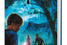 Trippelgjengen og loftsmysteriet / Loftsmysteriet er en barnebok for gutter og jenter i alderen 9-13 år. Du møter Even som er på tur med foreldrene til ny hytte. Han tror at sommerferien blir superkjedelig, men livet blir ikke alltid slik man tror ...