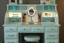 Makeup displays