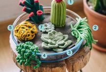 Crochet Plants | Pflanzen häkeln / Crocheted plants, mostly cacti and succulents.  Gehäkelte Pflanzen, vor allem Kakteen und Sukkulenten.