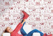 Comics and More - Rasch-Textil / Schaffen Sie ein abenteuerliches Kinderzimmer mit Comic-Tapeten mit Superman, Batman und Co. und bringen Ihren kleinen Helden zum Strahlen. Die Kids freuen sich auch über bunte Papier-Tapeten mit Mickey Mouse und seinen Freunden, die Ihre Geschichten nun im Zimmer der Kleinen erzählen.