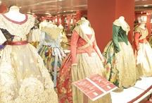 trajes de fallera / Exposiciones de indumentaria Valenciana donde donbusto suministro sus maniquíes