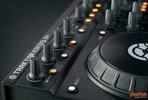 CLUB DJ.