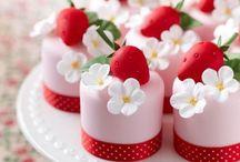 decorating a mini cake