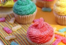 Cupcakes / by Tera Nelson