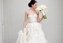 Weddings <3 / by Danielle Alyssa
