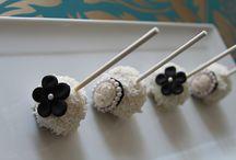Cakepops / by Benni Rienzo Radic