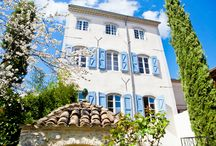 L e s  T r o i s  C o m t e s / In the popular south of France, right in the Languedoc Roussillon region, you will find a Chambres d'hôtes (Bed & Breakfast) which can be described as the hidden jewel of Saint-Hippolyte-du-Fort. Chambres d'hôtes Les Trois Comtes is a 300 year old French townhouse with spacious suites, all furnished in a contemporary style with the charm of the Provence and a touch of Parisian grandeur. An ideal location for holiday, family celebrations or an intimate French dream wedding...