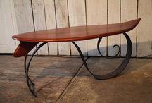 table basse surf / Table basse plateau bois, pieds en fer forgé, réalisés avec Manifer