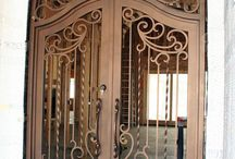 Puerta forja bonita