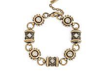 {Jewelry }