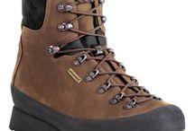 Kenetrek Hiking Boots / Our hiking boots are as tough of boots as you will find, but don't let their tough exterior fool you, they are really quite comfortable thanks to their soft padded collars and special flex notch design.