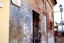 Barolo / Ein unverwechselbarer Ort, der durch seinen Rotwein Weltruhm erlangte. Kommt mit und spürt die Magie.