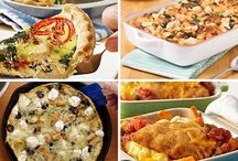 Brunch Recipes with Chicken / Serve up an unforgettable brunch with chicken casseroles, bubble up bakes, and other inventive recipes.