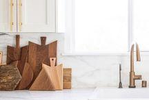 White Kitchens Inspo / http://furnishinginternational.com/im-dreaming-of-a-white-kitchen/