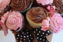 cupcakes adornod