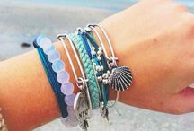 Beach Accessories / For that perfect finishing touch.