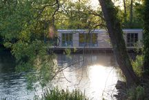 Holiday Homes That Float / Floating Holiday Homes
