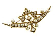Pearl Collection / Explore our beautiful and lustrous collection of our classic pearl jewellery.