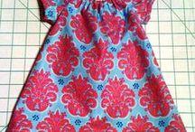 Платья и сарафаны на девочек