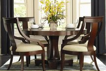 Formal Dining: Expandable Round Table