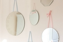 Mirrors for Kids / Mirrors are stunning pieces to include in your children's decoration rooms. Take a look and be inspired by these sweet designs.