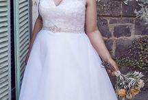 bride outfits plus size