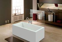 Fritstående badekar / Her finder du flotte fritstående badekar i forskellige designs og størrelser. Du kan se hele vores udvalg af fritstående badekar i vores shop her http://www.spacenteret.dk/category/fritstaaende-badekar-8/