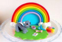 Tarta arcoiris con perrito. / memcakesancookies.com