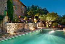 Living in Gordes / #Lifestyle #Living #South France #colorful #placetolivein