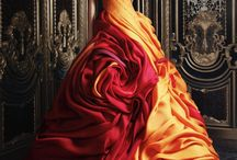 Style: Gowns / by Sasky Stewart