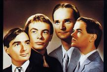 Kraftwerk Only...En Deux Trois / Electonic Music Pioneers Kraftwerk. All about Music History through Kraftwerk's revolutionary sounds.
