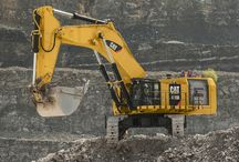 WORLD HEAVY SPECIAL EQUIPMENT/MACHINERY (4) / Whatever the purpose of a Heavy job ask for,always will be there a solution:to load earth or any other solid material,demolition,cutting,digging,always a crawler-machine will have a solution to your problem.