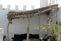 Idéer baksidan av huset vid trädet