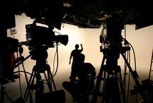 Vídeo: Seja você (ou a sua voz) o destaque / Está se tornando cada vez mais unânime entre os experts a convicção de que a mídia do momento para ganhos fora e dentro da internet é o vídeo.
