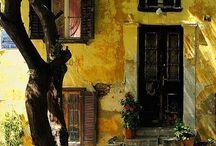 παλιά σπίτια / Τα παλιά σπίτια εκπέμπουν μια ιδιαίτερη γοητεία, λες και κρατάνε μέσα τους μυστικά και ιστορίες, σαν να ναι έτοιμα να διηγηθούν ένα παρελθόν