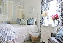 Комнаты в белых и голубых тонах