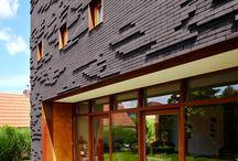Woningbouw | Designa / Inspiratie voor keramische woningbouw met stijlkenmerken: modern, strak, helder, balans. Ideeën voor toepassing van keramische dakpannen en gevelstenen.