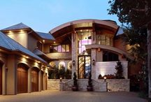 Grand Entrances / Built on a grand scale, these entrances are guaranteed to impress.