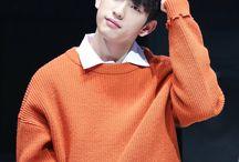 < Jinyoung >