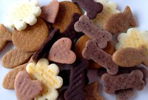 Variety Dog Treats / A combination of all treats: grain free-wheat free and whole wheat! Blueberry, Cranberry, Cheese, Peanut Butter and Carob/Peanut Butter