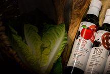 Green & Blu Olive Oil and Balsamic Vinegars / Προϊόντα της σειράς Green & Blu! Ελαιόλαδα με γεύση σκόρδο, λεμόνι, ρίγανη, τσίλι, βιολογικό έξτρα παρθένο ελαιόλαδο, βαλσάμικο ξύδι απλό, βαλσάμικο ξύδι με γεύση μήλο, βαλσάμικο ξύδι με γεύση δαμάσκηνο!!!     Series of products Green & Blu! Olive oil with garlic , lemon , oregano and chili flavor, organic extra virgin olive oil , balsamic vinegar simple and balsamic vinegar with apple and plum flavor !!!